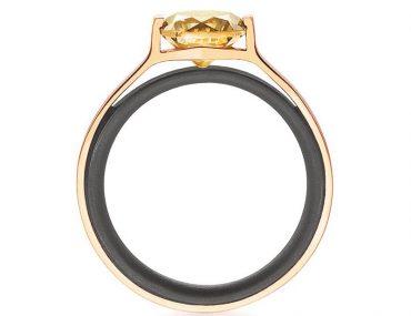 Ring von Gellner in Edelstahl und Gold mit Diamant