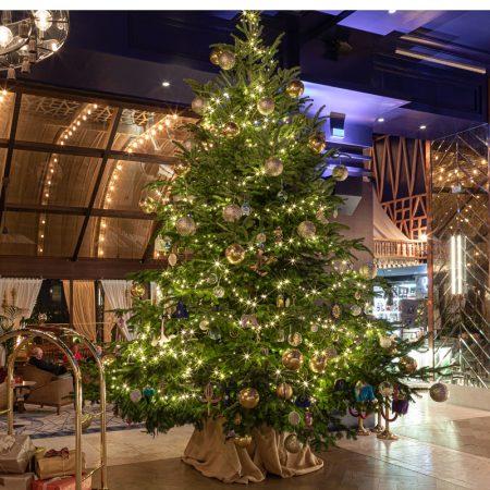 Kempinski-Hotel-Bahia-Estepona---Lavish-Christmas-Tree-2